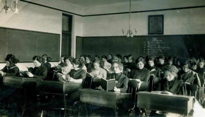 Classroom 1900's