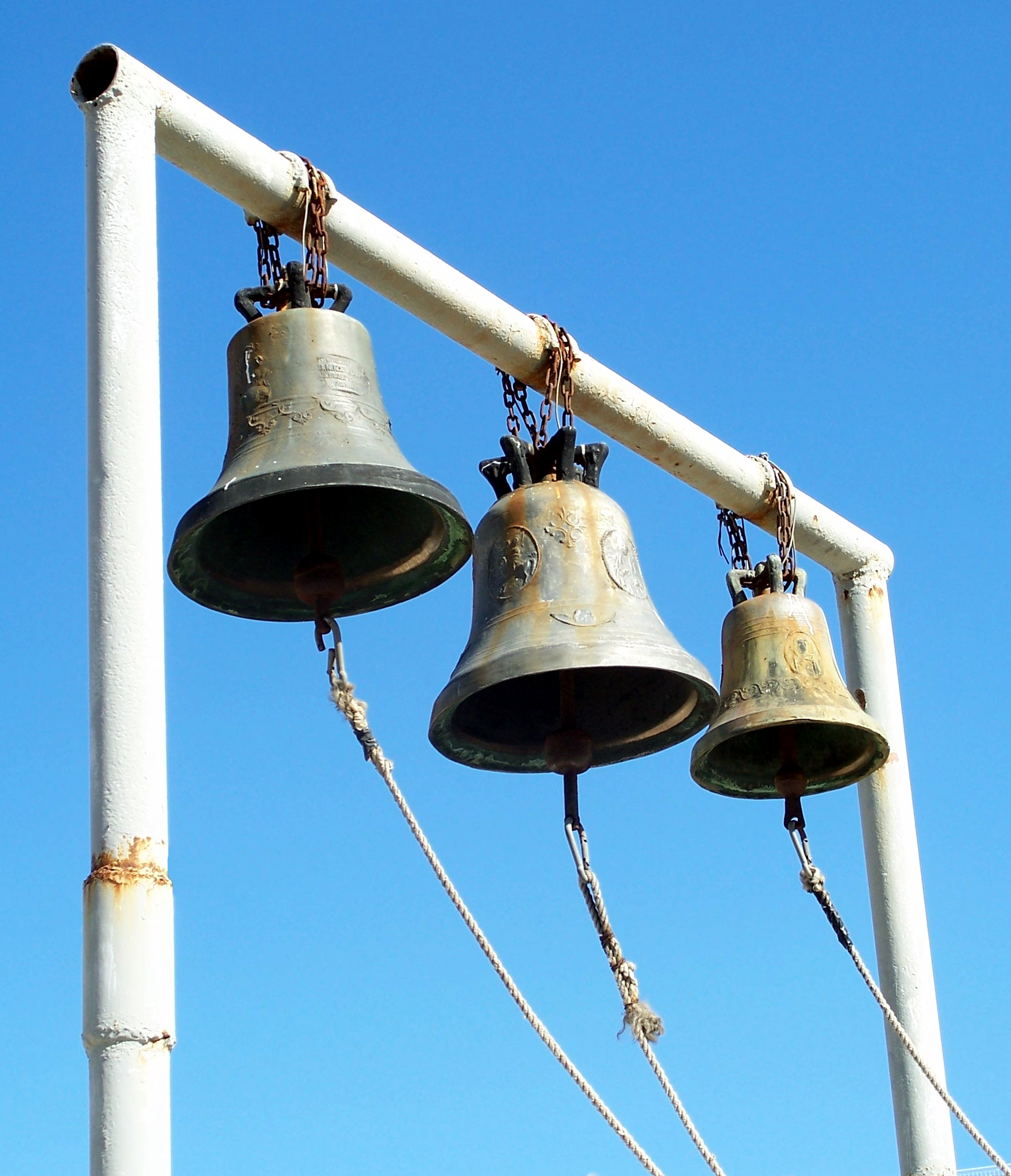 I hear the bells a-ringing – year-struck