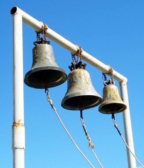 Three_bells_15