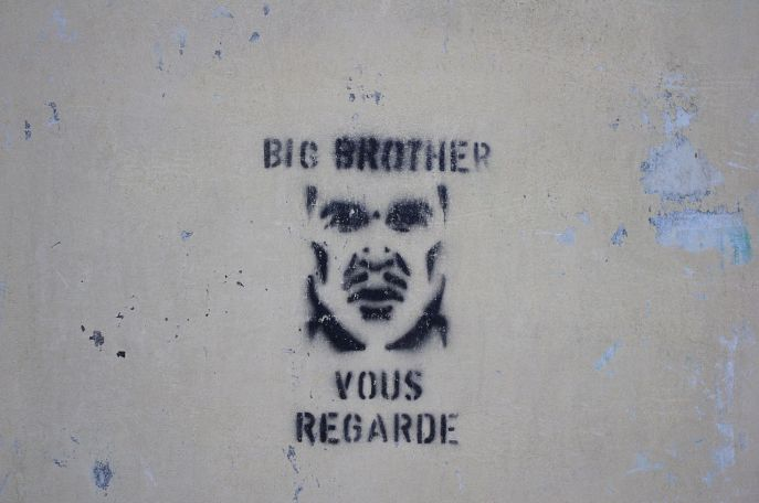 1280px-Big_Brother_graffiti_in_France_2